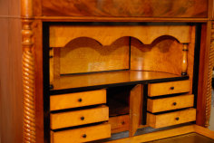 Secretaire gefineerde lades